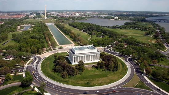 Aerial view of the Lincoln Memorial with the mall in the background