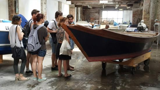 Students set up boat for 3D scanning