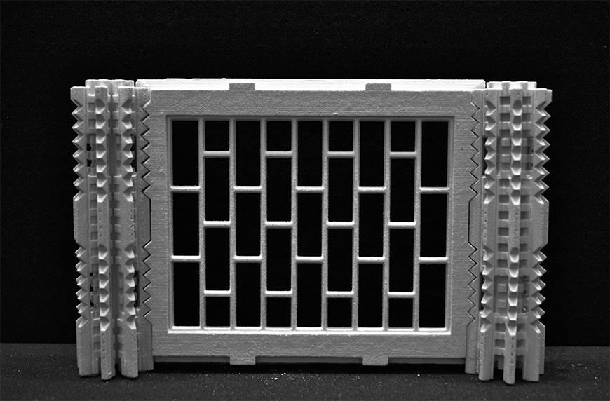 Photograph of 3D-printed model of I-464 panel together with type 8 column joints on either side.