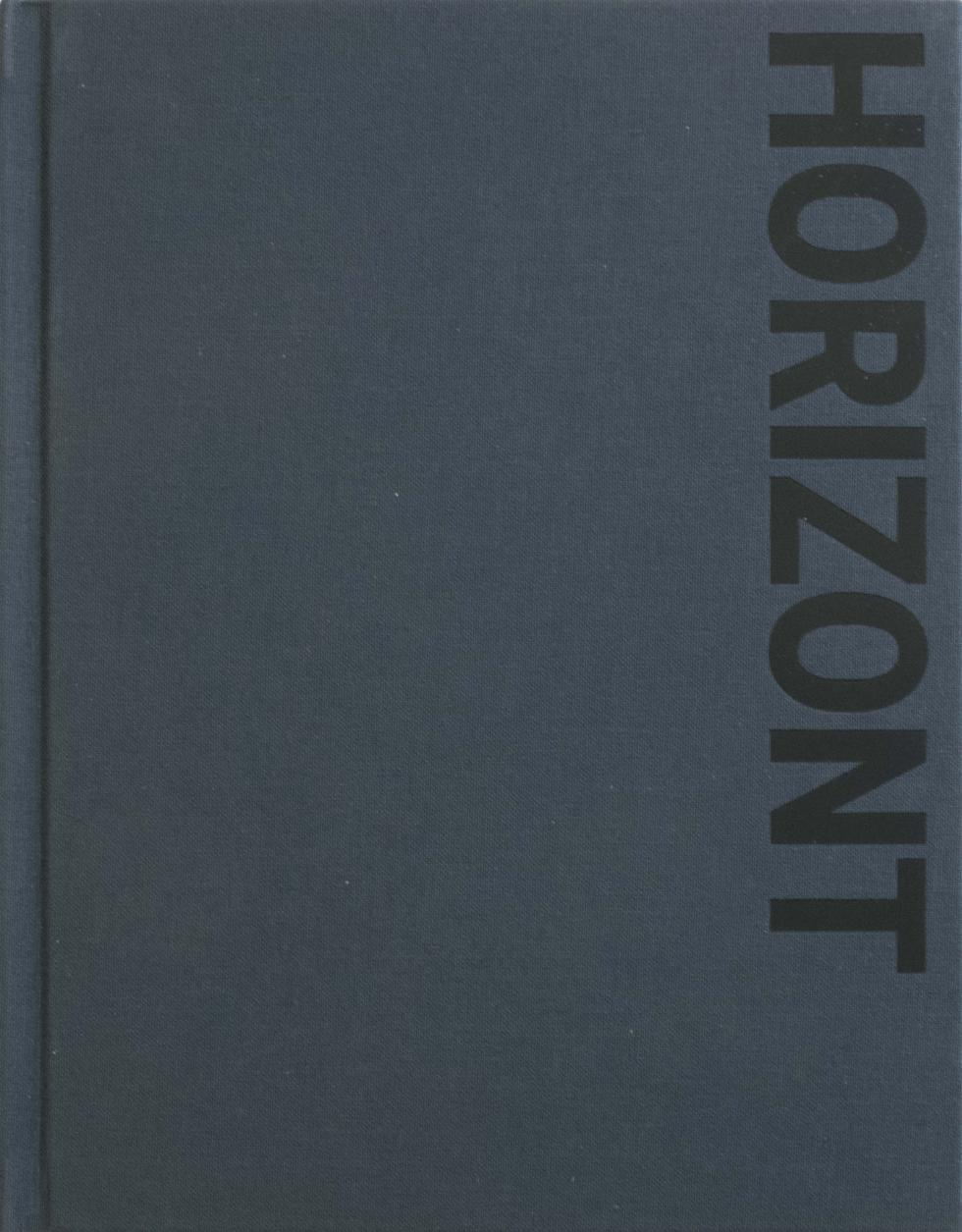 Dark blue book cover with the title Horizont in black print on the right vertical side of book.